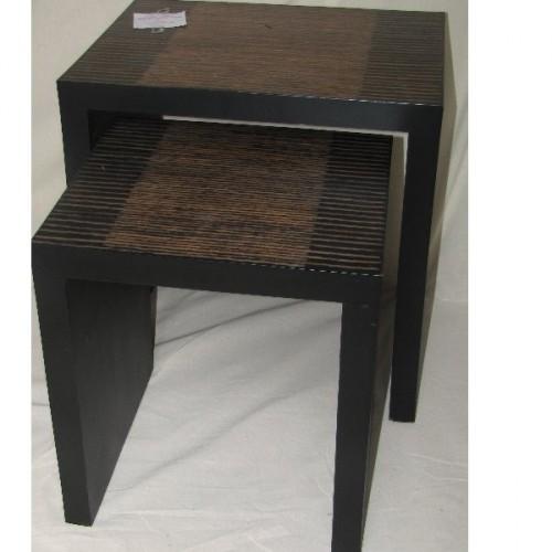 Table gigogne en paire en bois bambou et resine. Motif Lignes 50 x 40 h. 55