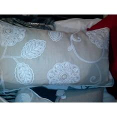 coussin de décoration PIERRE FREY-LIZ  35 x 60 cm beige broderieblanche