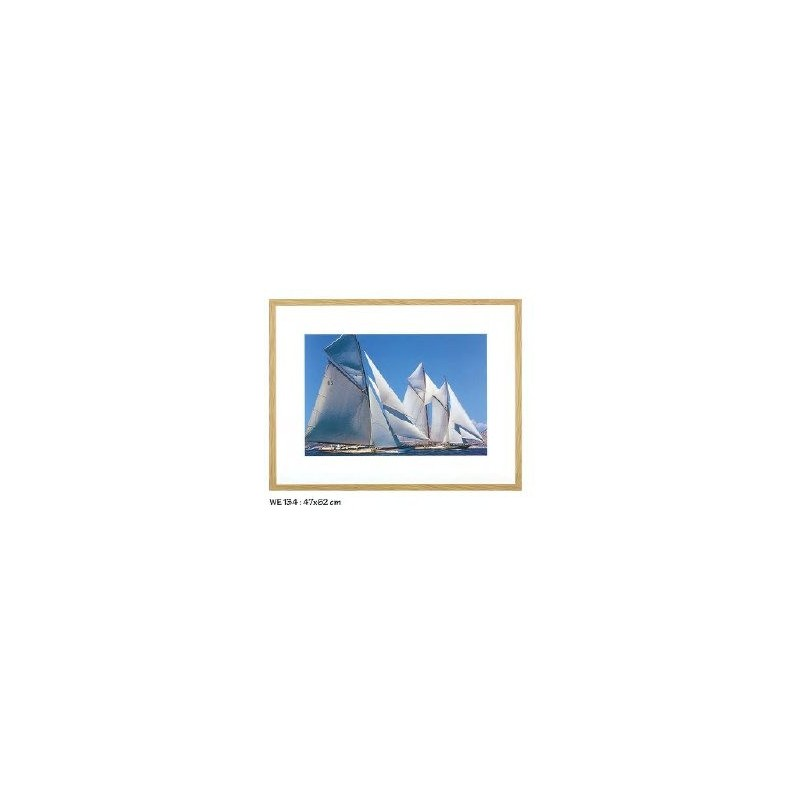 https://www.styles-interiors.ch/4138-thickbox/tableau-photographie-couleur-voiliers-dim47x62cm-cadre-bois-clair-ablo-blommaert.jpg