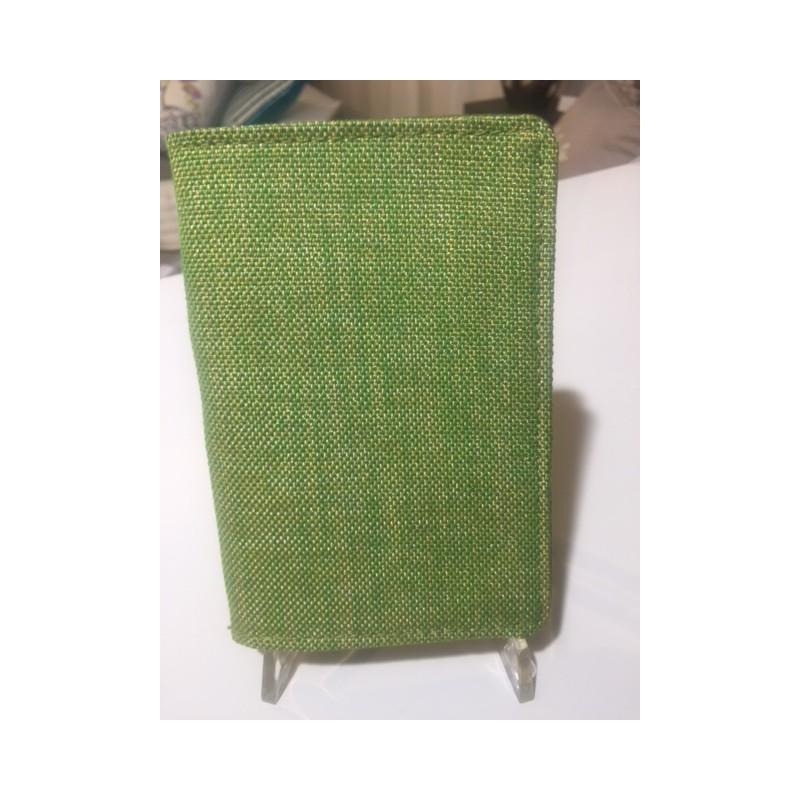 https://www.styles-interiors.ch/5101-thickbox/pochette-passeport-designers-guild-tissu-vert.jpg