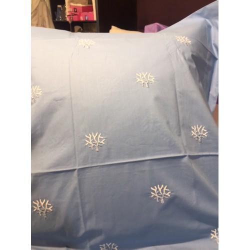 TAIE d'oreiller bleue avec broderie petit corail bleu  65x65 MASTRO RAPHAEL
