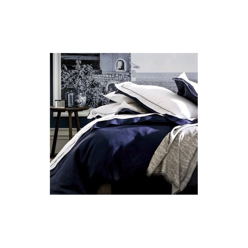 https://www.styles-interiors.ch/5238-thickbox/housse-de-couette-alexandre-turpault-bastide-blanc-marine-240x240-cm.jpg