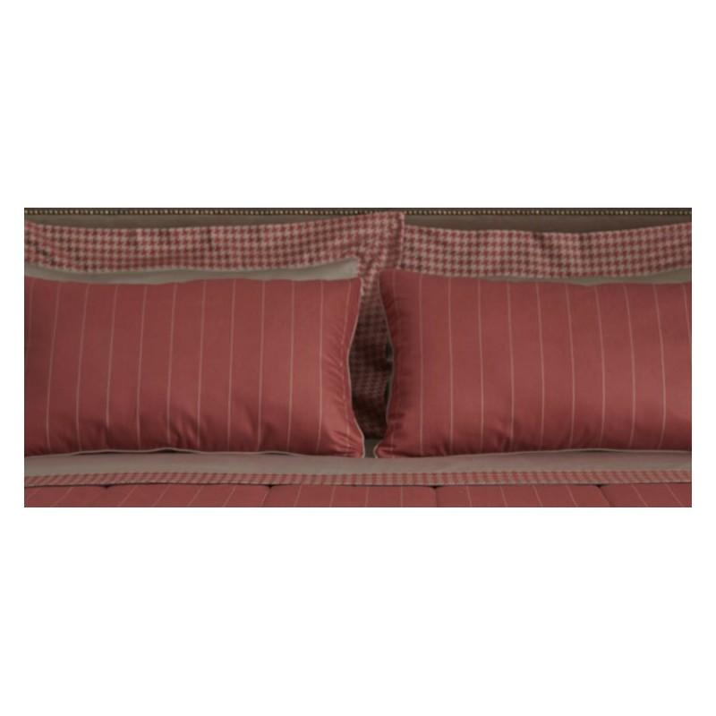 https://www.styles-interiors.ch/5404-thickbox/taie-d-oreiller-mastro-raphael-pennylane-65-x-65-cm-col-5-rouge-raye.jpg