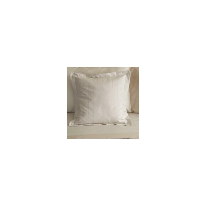 https://www.styles-interiors.ch/5406-thickbox/taie-d-oreiller-mastro-raphael-pennylane-65-x-65-cm-col-1-beige-raye-sans-volant.jpg