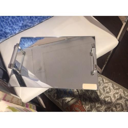plateau miroir AULICA avec poignées en acryl de 26 x 25 cm