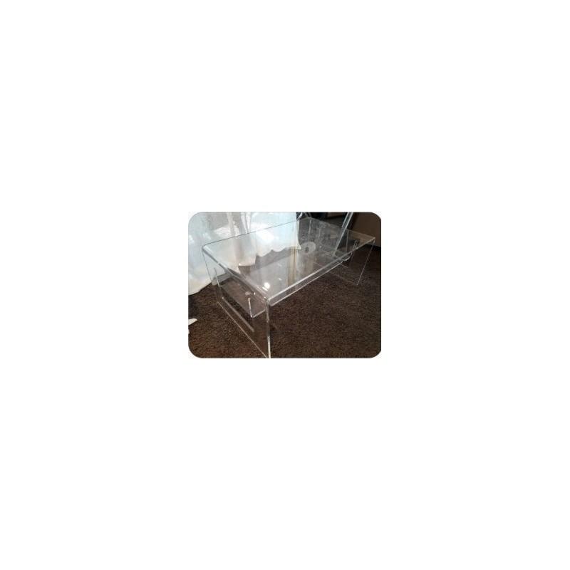 https://www.styles-interiors.ch/5970-thickbox/table-de-salon-en-plexi-dim-83x50cm-haut-36-cm-vesta.jpg