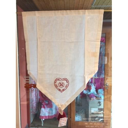 BRISE-BISE col. blanc cassé, broderie coeur rouge, dim.45x60cm, Léonie's